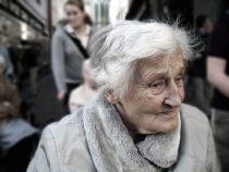 Menschen fordern bessere Altersvorsorge