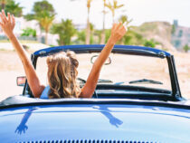17 Dinge, die Frauen in ihrem Auto haben