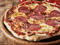 Die besten Salami-Pizzen aus der Tiefkühltruhe
