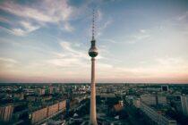 Jobs mit den meisten Überstunden, Mieten steigen in Berlin um 42 Prozent, Coronatests kosten Bund 3,7 Milliarden Euro