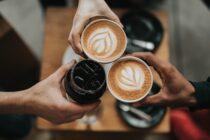 Suizidrate geht weltweit zurück, Preissteigerungen bei Kaffee, Girocard liegt im Trend