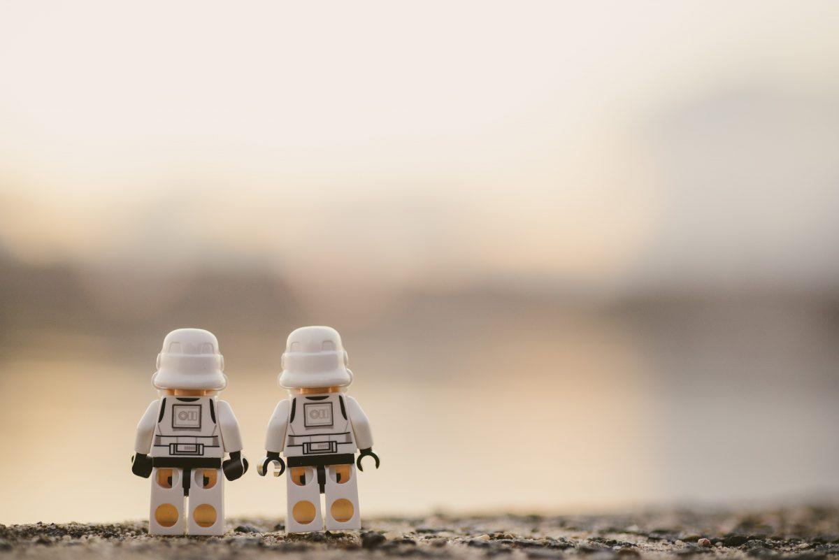 Mehr Privatinsolvenzen bis Ende des Jahres, Lego macht Spielzeug frei von Geschlechter-Stereotypen, Mehrheit der Unternehmen skeptisch gegenüber Homeoffice